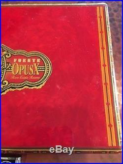2000 L. E. Fuente Fuente OpusX Travel Humidor by Prometheus w Cigar Cutter RARE