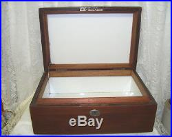 ANTIQUE WOODEN CIGAR BOX WHITE PORCELAIN LINED With HUMIDOR SCREEN