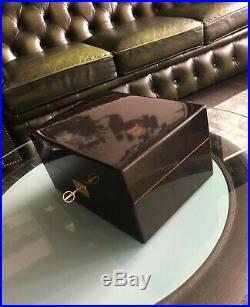 Davidoff Humidor, schwarzer Klavierlack, inkl. Davidoff Zigarren Schere, TOP