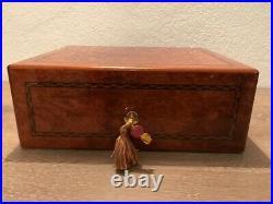 Humidor, Elie Bleu Paris für 70 100 Zigarren Holz Amboine mit Intarsien