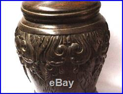 Interesting old turned and hand carved wooden tabacco jar 18 x 11 cm