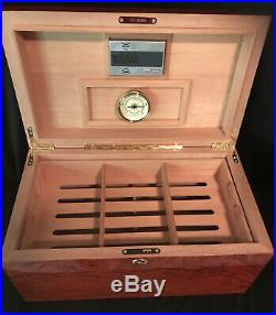 Redwood cigar humidor with lock shelves Keys