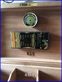 S. T. Dupont Humidor, Caliber 4R Hygrometer, neuer hochw. Polymerbefeuchter, High End